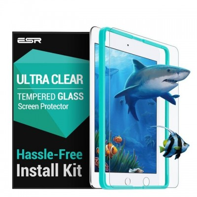 ESR Premium Quality Tempered Glass iPad 9,7 2017/2018 (With Easy Installation Frame)