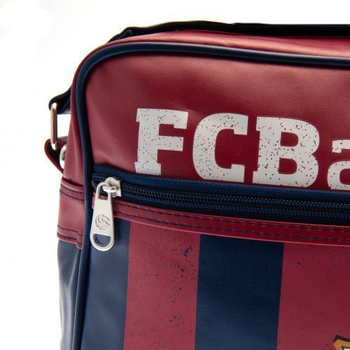 c4708d30de Η Τσάντα της Μπαρτσελόνα είναι επίσημο προϊόν και κατασκευάζεται κάτω από  την έγκριση της Barcelona FC.